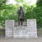 拿黑人女奴做人體實驗的「現代婦科學之父」憤怒紐約人喊拆中央公園銅像