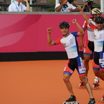 世大運滑輪溜冰「金」光閃閃!男女3000公尺接力賽雙雙奪金