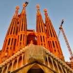 曾被稱世界最猙獰的建築,這座教堂蓋了一百年都沒蓋完,未完工就被列為世界遺產…