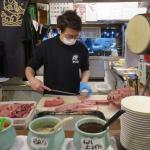 不只築地CP值高!東京淺草橋車站附近,生魚片吃到飽老店,一人只要1200円
