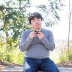 上班族久坐又沒空運動,腹部贅肉問題如何救?日實驗證明:多喝這飲料真能代謝脂肪