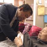 健保有多好?台灣醫療革命,在家也能看醫師!行動不便患者福音,這服務讓人好窩心