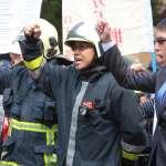 高層划龍舟休克算「因公殉職」、消防員衝火場叫「因公死亡」 網友:根本是以職等判定殉職標準