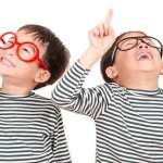 當孩子遇到愛炫耀的朋友,或孩子本身喜歡炫耀,怎麼辦?心理師建議父母4步驟處理