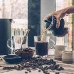 為何有人喝咖啡就失眠,有人還能呼呼大睡?營養師:跟你的「基因」有關!