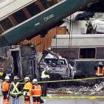 轉彎超速還是豆腐渣工程?美國新列車首發就脫軌墜橋 至少3死、逾百人受傷
