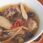 在家煮雞湯、蔬菜湯、泡菜鍋都只要5步驟!5種湯底DIY食譜,手殘也能做出「零失敗」料理
