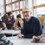 科技人也怕成癮!蘋果CEO不准姪子碰社群媒體,「這些」巨頭也超憂心,出招嚴格管孩子…