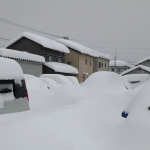 「車跟房子都不見了」積雪214公分!日本福井打破32年來大雪紀錄