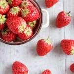 草莓農藥多,怎麼洗才乾淨?營養師提醒,千萬別用鹽水洗,想省水有小撇步!