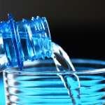 礦泉水變塑膠水!最新研究發現9成瓶裝水含「塑膠微粒」這些大廠牌都中鏢了