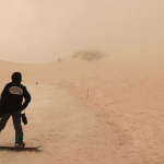「我們今天在火星上滑雪!」東歐「橘雪」景色席捲社交媒體