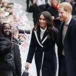 英國王室世紀婚禮倒數50天!喜帖已發、結婚蛋糕選了…誰是哈利王子座上賓?梅根的婚紗設計師是誰?肯辛頓宮:恕難奉告!