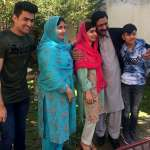 巴基斯坦受傷的女兒回家了》瑪拉拉帶著諾貝爾和平獎返鄉,激動落淚:我等這一刻等了5年!