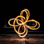 「改變心中對火焰的恐懼」 火舞者遭汙名化,還被要求有建築證照