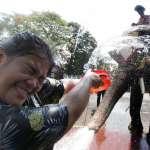 抗疫即作戰!百年來首次停辦潑水節 泰國七旬老翁驚:從來沒遇過