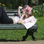 你一年看幾本書?她:人可以無知,但不能把無知當驕傲!中國的成年人幾乎不讀書…