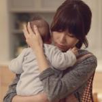 為何半夜寶寶大哭,被喚醒總是媽媽?這項研究追蹤80個家庭,道出「母愛」的驚人真相