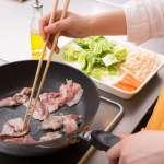 半夜驚醒、頻跑廁所怎麼辦?日學者追蹤300人發現,做菜少加「這種」調味料竟有驚人改變...