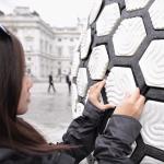 太讚的發明!台灣團隊把「垃圾變磁磚」,1小時回收50公斤寶特瓶,超強創意驚豔全世界!