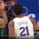 NBA季後賽》不爽安比德灌籃 莫里斯比3指:按怎!