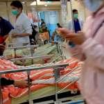 中國再傳醫暴事件!病患家屬持刀砍傷眼科醫師  血跡「從診間綿延到走廊」