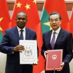 斷交風暴》布吉納法索棄台投中 王毅點名:非洲只剩一個國家還沒有和中國建交