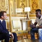 「巴黎蜘蛛人」最美好的一天:法國總統頒發英勇勳章、賦予公民權,準備加入巴黎消防隊