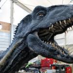 《侏羅紀2》幕後驚奇揭密!小藍竟不是電腦動畫,而是15位操偶師控制的超逼真「機械龍」