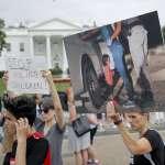 《時代》合成哭泣女童與川普合照惹議 白宮發動反擊《華郵》也批:使用誤導影像將讓努力化為烏有!