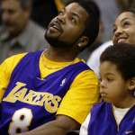 NBA》見一次問一次 饒舌歌手積極說服布萊恩重返球場