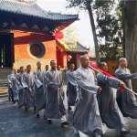 中國嵩山少林1500年來首次升國旗 方丈微博忙表白:愛國是佛教一貫傳統