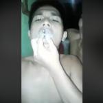 菲律賓屁孩邊吸毒邊罵杜特蒂!影片外流嚇到投案爆哭,總統助理回應:想吸就到地獄去吸!