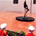 開學日看鋼管舞:一場嚇壞幼兒園家長的表演