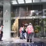 慰安婦銅像被踹 台日交流協會遭潑漆 警逮捕統促黨李承龍4人