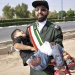 伊朗閱兵儀式遭血洗!槍手假扮軍人掃射群眾釀24死、逾53傷 親沙烏地阿拉伯恐怖組織坦承犯案