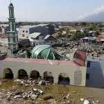 罹難者超過830人、房屋倒塌、屍橫遍野... 11張照片看印尼蘇拉威西地震慘況