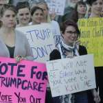 美國期中選舉》七成五民眾最關心、逼迫共和黨「髮夾彎」的關鍵議題:醫療健保