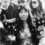 放蕩不羈、在公共場所進行「裸體」活動⋯草間彌生青年時期、那些「放浪形骸」的藝術創作