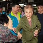 黃金周末全家總動員 柯P夫妻、柯媽分進合擊萬華掃街