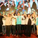 「不怕敵人夜襲刺進心臟」 陳其邁:用選票守護民主,還給高雄公道