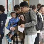 時間截止投票人龍還在塞 連勝文、徐永明齊聲痛批:中選會主委立刻下台