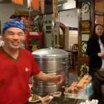 挺邁肉粽店遭韓粉負評洗版 陳其邁登門送暖:好吃不分藍綠