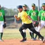 棒球》林子偉返母校捐贈球具 勉勵學弟勇敢追夢