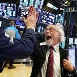 股市終於漲了!耶誕銷售激勵  道瓊反彈1086點創單日紀錄