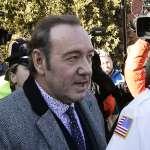 《紙牌屋》總統恐吃5年牢飯:凱文史貝西性醜聞案首次開庭 矢口否認猥褻未成年男孩