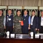 憶起40年在海陸的日子!上任首次勞軍 韓國瑜贈官兵10萬慰問金