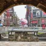 「小豬太空人」登上東門城 過年來去新竹賞燈住一晚