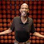 NBA》傳奇賈霸做公益 拍賣四枚冠軍戒幫助孩童籌學費