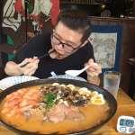 10公斤全台最巨拉麵限時挑戰!雙人大胃王餐竟然「一人獨享」,老闆:沒看過有人這麼會吃【影音】